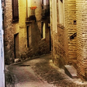 Calle-Cristo-de-la-Calavera.-Toledo