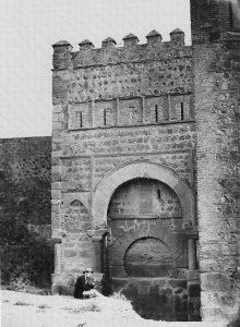 Puerta de Alfonso VI (Fotografía de Jean Laurent hacia 1857, Blog Toledo Olvidado)